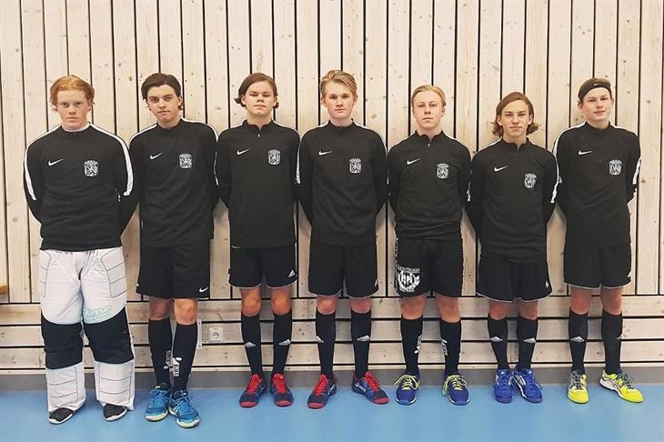 61542d185cb Från vänster: Eric Johansson, Albin Regnström, Albin Lindahl, Arvid  Lundgren, Oscar Garyd, William Skarin och Melvin Bengtsson.